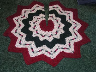 christmas ripples tree skirt pattern crochet knitting and african violets