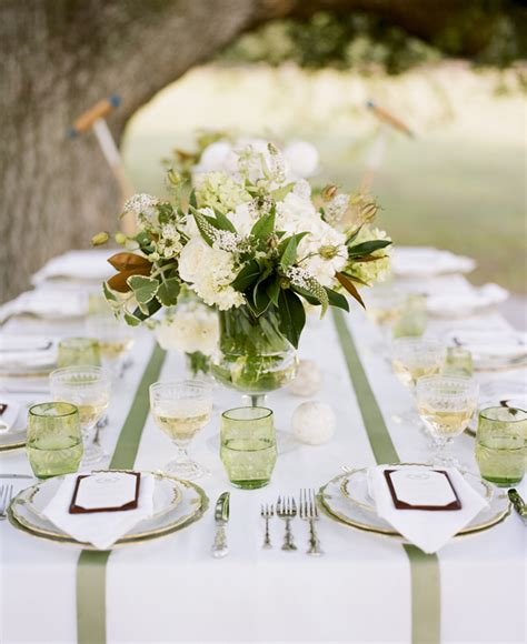 Magnolia Wedding Decorations by Do It Yourself Magnolia Wedding Centerpieces The Wedding