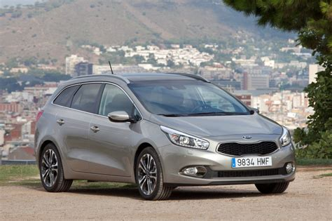 Kia Ceed Estate Review Kia Cee D Sportswagon Review Test Drives Atthelights