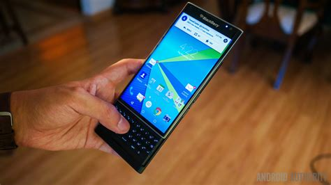 Rapot Merah Aa blackberry will release at least one new android phone in