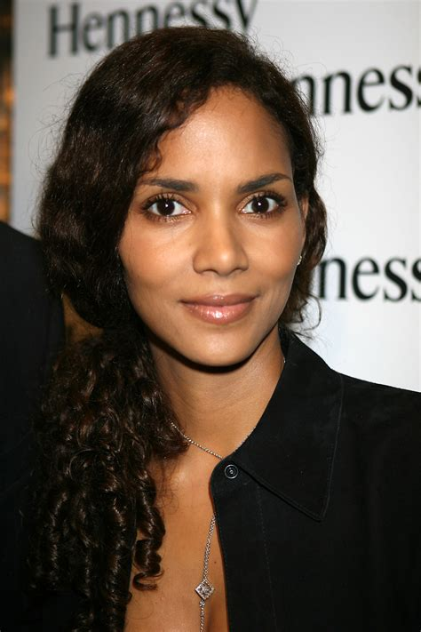 see halle berry s hair evolution in these photos beauty