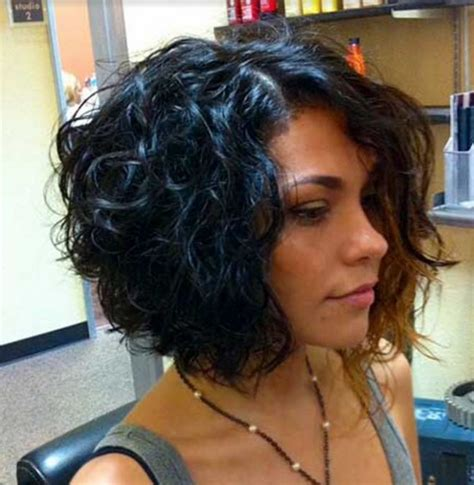 curling just the longer front of a bobstyle cut tips 11 looks de cabello corto para mujeres con rizos