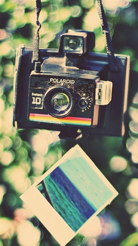 camera wallpaper iphone 4 black polaroid camera 123mobilewallpapers com