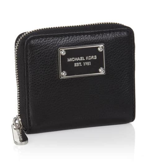 Mk Sml Wallet michael michael kors jet set zip around small wallet in black lyst