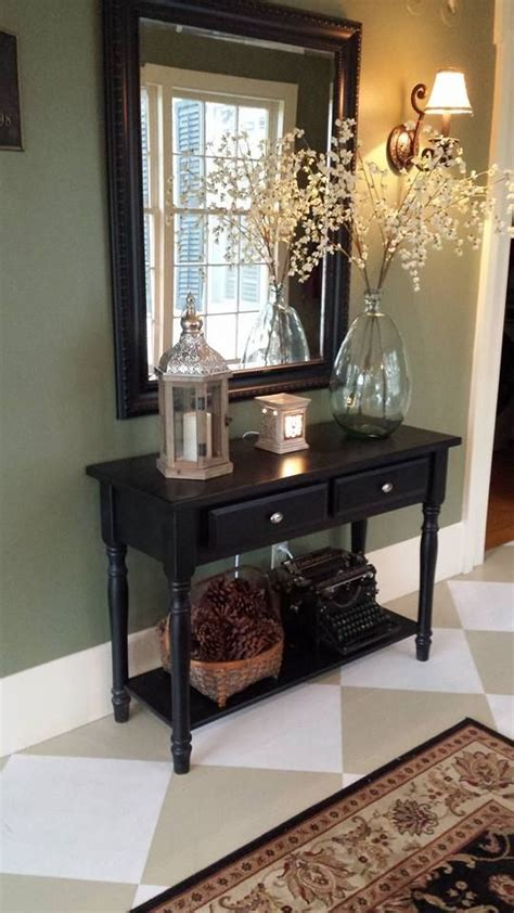 how to decorate a foyer how to decorate entryway table