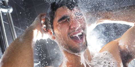 skipping showers might make you stink but it s better for 3 simple transition tips to get you in the cold shower