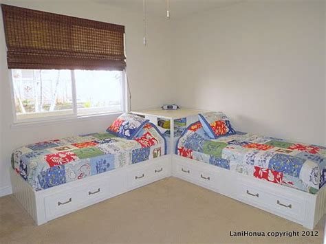 corner twin beds sets 1000 images about boys room on pinterest bookshelf