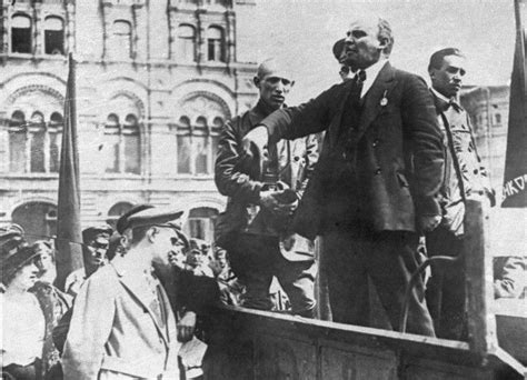 1917 lenin wilson and the birth of the new world disorder books in photos the changing hair and statues of lenin