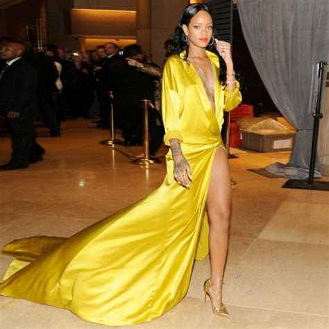 Dressjaket Rihana rihanna in a yellow dress dress uk