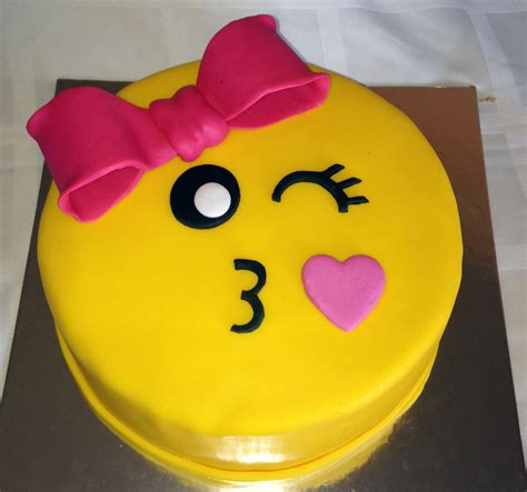 emoji birthday cake emoji cake story kay cake designs