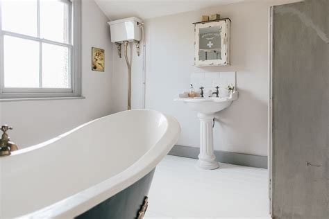 vintage style period bathroom wc vintage style period bathroom wc vintage style period bathroom wc washroom loo toilet roll