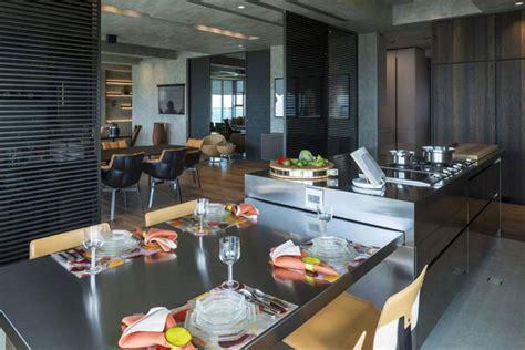 cucina con tavolo estraibile 20 cucine con tavolo estraibile a scomparsa mondodesign it