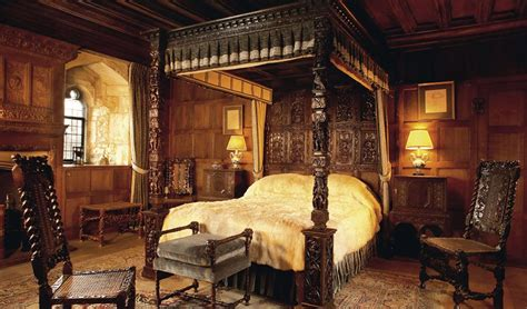Castle Bedroom by Boleyn S Bedroom And Prayer Books Hever Castle