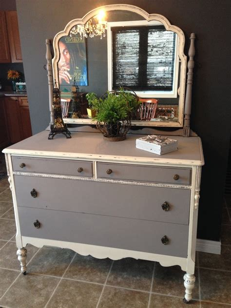 chalk paint not distressed dresser distressed in doves grey and not so white