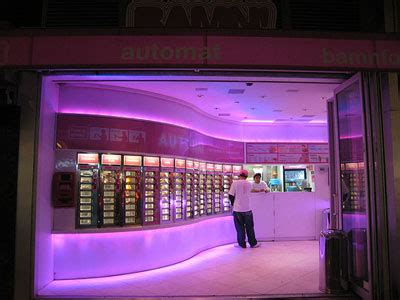 8 Wackiest Vending Machines by The World S Wackiest Vending Machines Business Insider