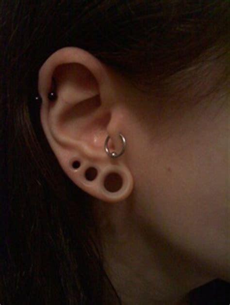 233 quilibre stretch de deux lobes sur une oreille