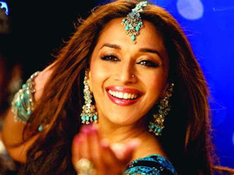 kajol vs madhuri dixit la mejor bailarina madhuri vs aishwarya lo mejor de