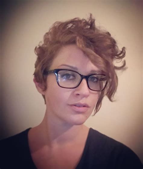 pixie cut curly hair glasses 1241 best images about girls who wear glasses on pinterest