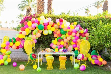 decorar con globos jardin 1001 ideas sobre decoraci 243 n con globos para fiestas y