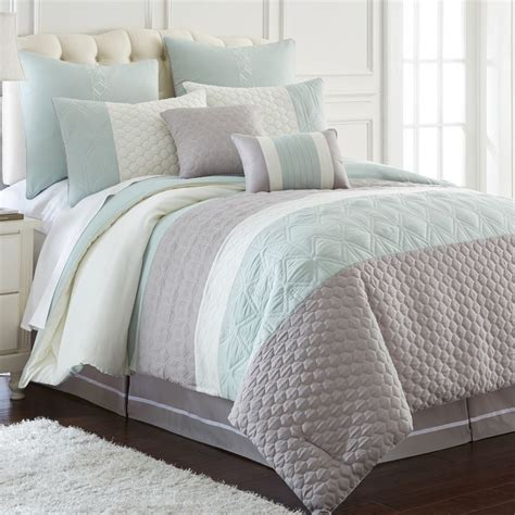 aqua and grey bedding 25 best ideas about aqua gray bedroom on pinterest teal