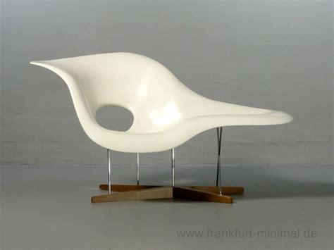 chaise original sold charles eames la chaise vitra original