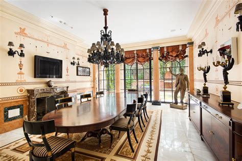 Dining Rooms In Nyc by Rent Gianni Versace S Former East Side Mansion For