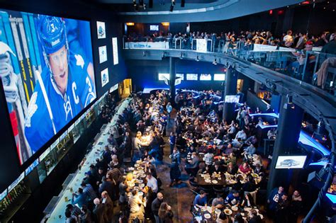 Toronto Top Bars by Toronto S Top 10 Best Sports Bars