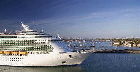 theme cruises definition theme cruises