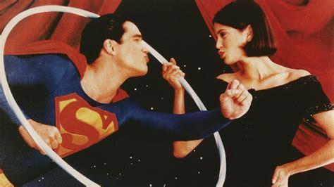 superman lois and clark 12 superman universe box
