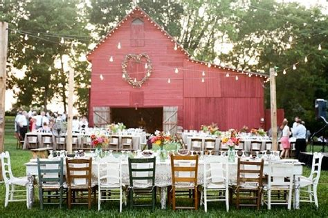 barn wedding decor exterior