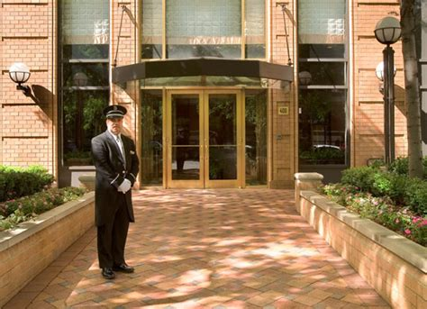Apartments Nyc Doorman Building The Strathmore Luxury Apartments On Manhattan S East