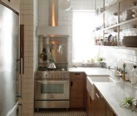 Kitchen Design Nyc A Small New York City Apartment Kitchen Is Made Light Bright Larger Smallspacesolutions