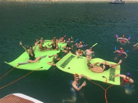 lake travis party boat rental prices party gallery lake travis yacht rentals