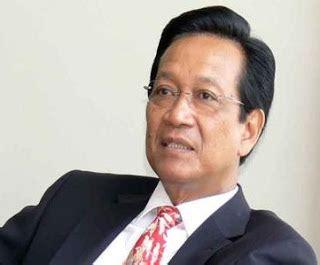 biogarfi gubernur yogyakarta sri sultan hamengkubuwana
