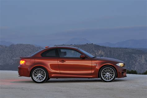 bmw  series  coupe official specs  pictures