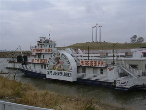 boat ride down mississippi river ride a steamboat down the mississippi river mississippi