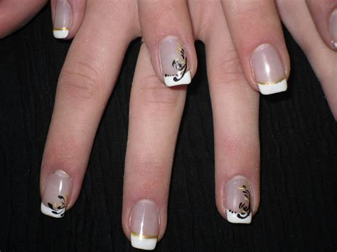 Ongle En Gel Chic by Nail Pose D Ongles En Gel Dor 233 E Chic Et