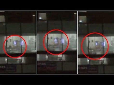 amanti in ufficio colleghi ripresi dalle telecamere a fare sesso in ufficio