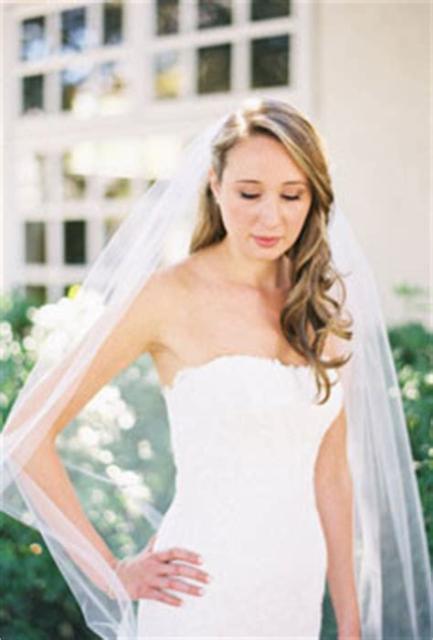 Bridal Hairstyles Side Swept With Veil by Side Swept Hair With A Veil Weddings And Attire