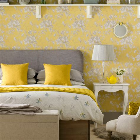 yellow wallpaper bedroom want 7 hours sleep every simple just paint your