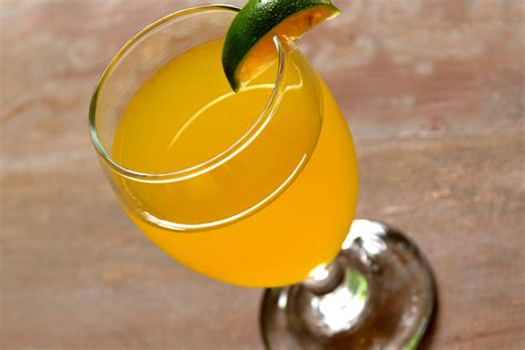 2 easy ways to make a mimosa cocktail with pictures