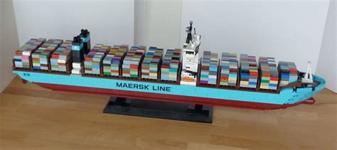 Lego Exclusive Maersk Line E 10241 maersk lego www pixshark images galleries with a bite