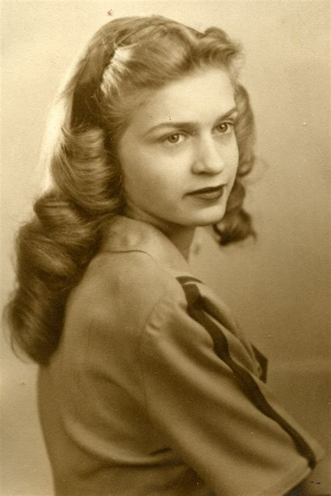 hairstyle facts from the 1940 s hairstyles 1940s long hair hairstyle foк women man