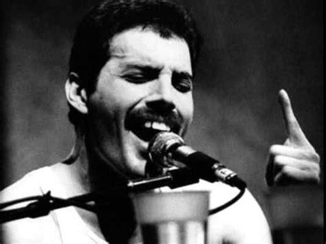 biography en ingles de freddie mercury the greatest and most powerful singer ever freddie