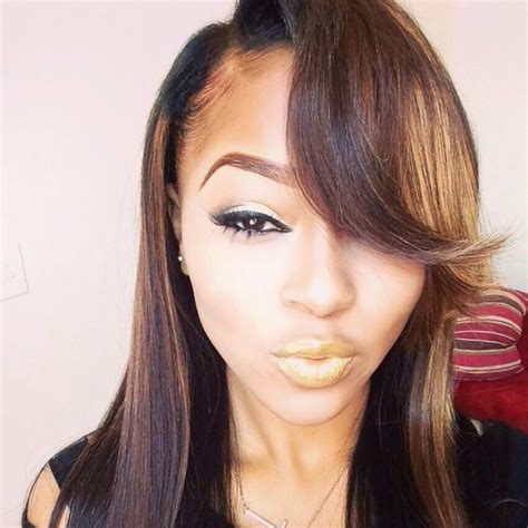 weave hairstyles going to the side side part weave with highlights hairstyles pinterest