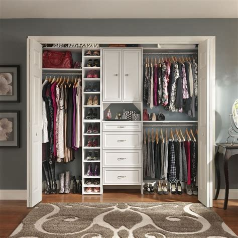 room closet believe it or not i ve had a few rooms in san francisco with no closets now that i a
