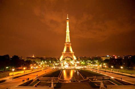 la torre y la comemora se a inaugura 231 227 o da torre eiffel cais da mem 243 ria