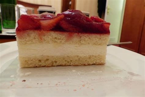 Strawberry Cake Mcdonald Bekas 1 strawberry cake from mccafe in vienna picture of