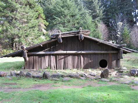 plank house file yurok plank house jpg wikimedia commons