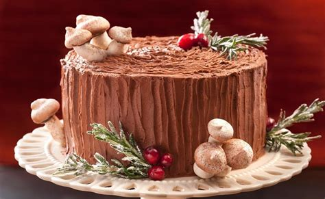 decorate a christmas cake 3 classic ways on how to do it